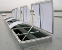 Luminator modular cu trape de fum incorporate